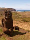 Estatua del niño en la isla de pascua Foto de archivo