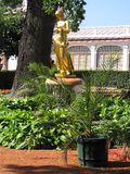 Estatua del oro Imagen de archivo