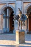 Estatua del pájaro-colector Papageno en Brujas, Bélgica Fotografía de archivo libre de regalías
