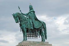 Estatua del primer rey de Hungría Imagenes de archivo