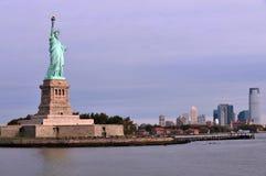 Estatua del puerto de Nueva York de la libertad Imagen de archivo