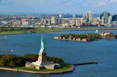 Estatua del puerto de Nueva York de la libertad Fotografía de archivo