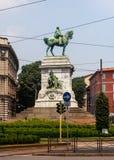 Estatua del ` s de Giuseppe Garibaldi delante del castillo de Sforzesco Fotos de archivo libres de regalías