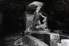 Estatua del ` s de Mither que mata al toro foto de archivo libre de regalías