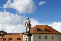 Estatua del santo en Praga Fotografía de archivo libre de regalías