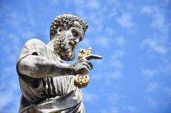 Estatua del St PeterFotografía de archivo libre de regalías