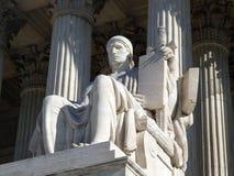 Estatua del Tribunal Supremo Fotografía de archivo libre de regalías