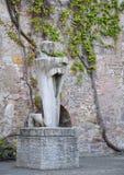 Estatua dentro de la iglesia de Aegidienkirche St Giles en Hannover, Alemania Fotografía de archivo