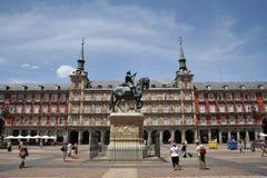 Estatua ecuestre de rey Philip III en el alcalde de la plaza en Madrid Imagenes de archivo