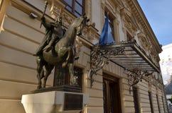 Estatua ecuestre de Vlad Tepes, el Impaler imagenes de archivo