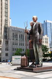Estatua en Chicago céntrica Foto de archivo libre de regalías