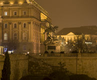 Estatua en el castillo de Budapest Imagenes de archivo