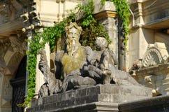 Estatua en el castillo de Peles, Rumania Imagen de archivo