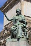 Estatua en el Colonne du Congres, Bruselas Fotos de archivo libres de regalías