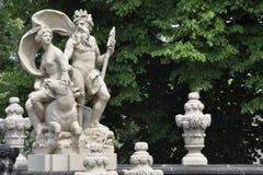 Estatua en el palacio de Zwinger en Dresden Imágenes de archivo libres de regalías