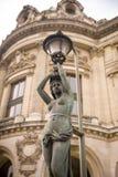 Estatua en el Palais Garnier, París Foto de archivo