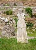 Estatua en el parque arqueológico de Dion Pieria, Grecia imágenes de archivo libres de regalías