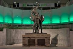 Estatua en el parque de Ameritrade en Omaha céntrica Imágenes de archivo libres de regalías