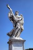 Estatua en el puente de Sant Ángel. Roma (Roma), Italia Fotografía de archivo libre de regalías