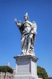 Estatua en el puente de Sant Ángel. Roma (Roma), Italia Fotos de archivo