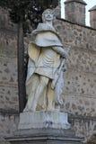 Estatua en el Puerta de Bisagra Nueva (la nueva puerta de Bisagra) de Toledo, España Imágenes de archivo libres de regalías