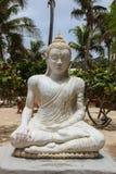 Estatua en la bahía Baie Orientale de Oriente imagen de archivo