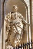 Estatua en la basílica de Peters del santo Imágenes de archivo libres de regalías