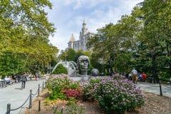 Estatua en la ciudad Hall Park en Lower Manhattan en Nueva York fotos de archivo libres de regalías