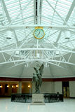 Estatua en la estación de tren en Montreal Imagenes de archivo