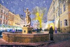 Estatua en la plaza del mercado Fotografía de archivo libre de regalías