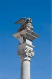 Estatua en la plaza Libertà - Udine (ÉL) imagenes de archivo