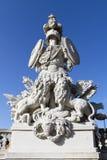 Estatua en Schönbrunn, Viena del estante de la armadura Fotos de archivo libres de regalías
