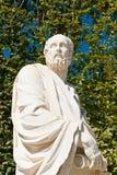 Estatua en un jardín Imagen de archivo