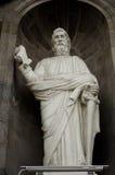 Estatua en una catedral foto de archivo libre de regalías