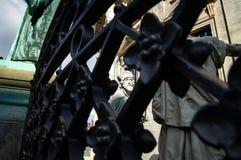 Estatua fuera del kirke del ` s de Federico en Copenhague Dinamarca Fotografía de archivo libre de regalías