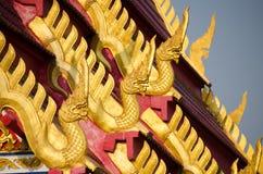 Estatua gigante de la serpiente hermosa de los Nagas o de las serpientes Fotos de archivo