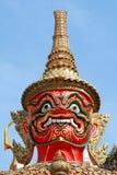 Estatua gigante - en el palacio magnífico Bangkok Tailandia Imagen de archivo