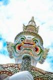Estatua gigante en el templo Buda esmeralda, Tailandia Imagenes de archivo
