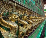Estatua gigante tailandesa del monstruo del pájaro en Tailandia Foto de archivo libre de regalías