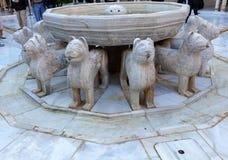 Estatua Granada España de Alhambra Moorish Courtyard Lions Fountain fotos de archivo