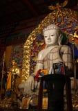 Estatua grande de Buda blanco en el monasterio de Dazhao Imágenes de archivo libres de regalías