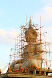 Estatua grande de buddha bajo construcción Imagenes de archivo
