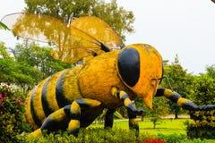 Estatua grande de la abeja, Tailandia Fotos de archivo