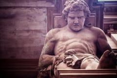 Estatua griega de dios de la mitología imagen de archivo libre de regalías