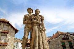 Estatua Hecho Pyrenees del traje del tyraditional de Cheso Foto de archivo libre de regalías