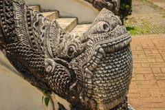 Estatua hermosa de la mamá, el animal mítico del guarda en los templos Fotografía de archivo libre de regalías