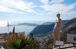 Estatua hermosa de una mujer en el jardín de Eze, Francia imagen de archivo