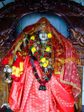 Estatua hindú de Parvati en un altar Foto de archivo