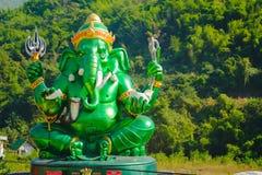 Estatua hindú grande verde de dios de Ganesha Fotos de archivo