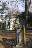 Estatua histórica en el cementerio viejo de Praga del misterio, República Checa fotos de archivo libres de regalías